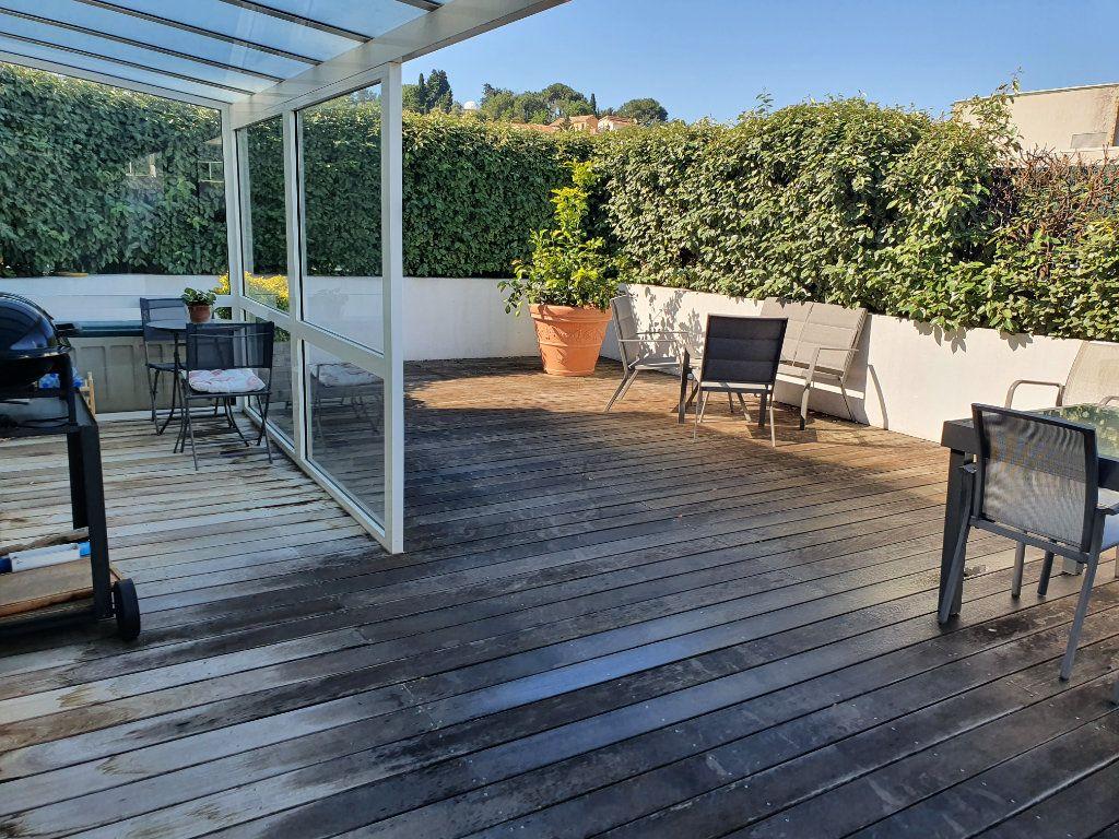 Appartement à vendre 4 120m2 à La Seyne-sur-Mer vignette-1