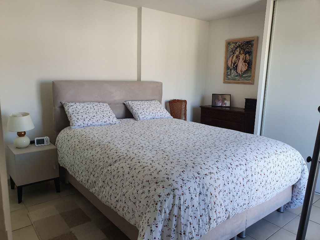 Appartement à vendre 4 120m2 à La Seyne-sur-Mer vignette-7