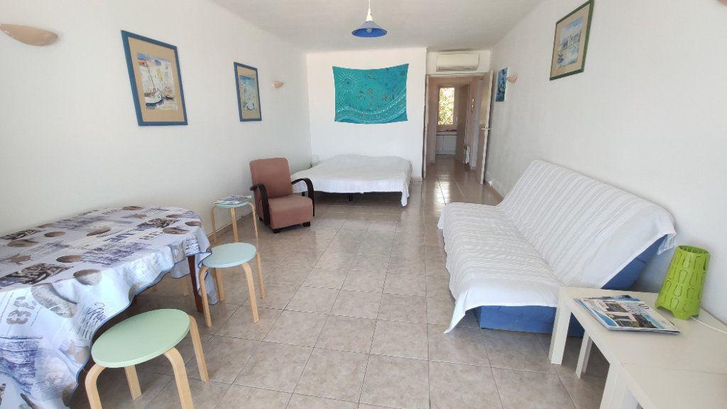 Appartement à vendre 3 80.29m2 à Six-Fours-les-Plages vignette-2