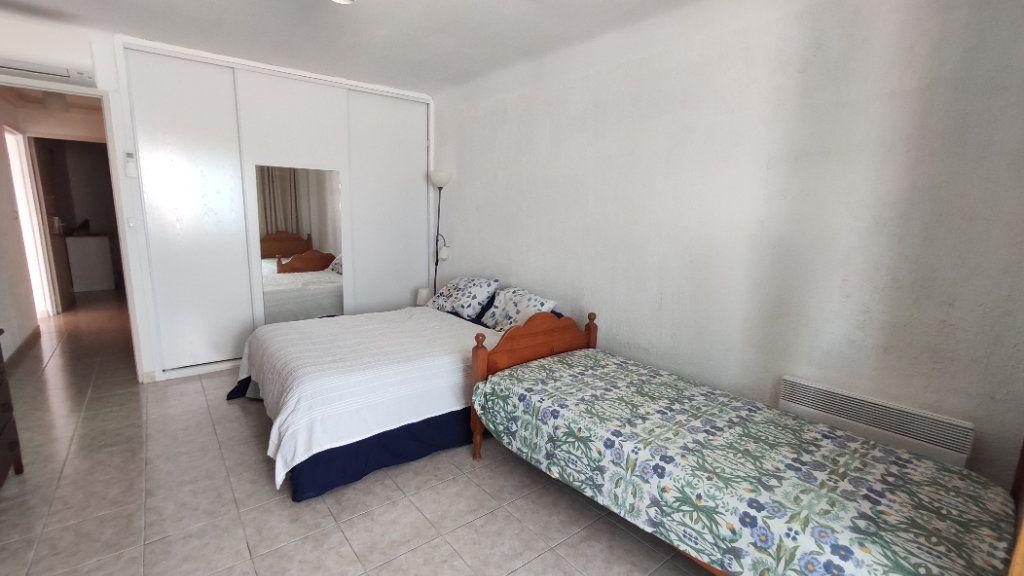 Appartement à vendre 3 80.29m2 à Six-Fours-les-Plages vignette-4
