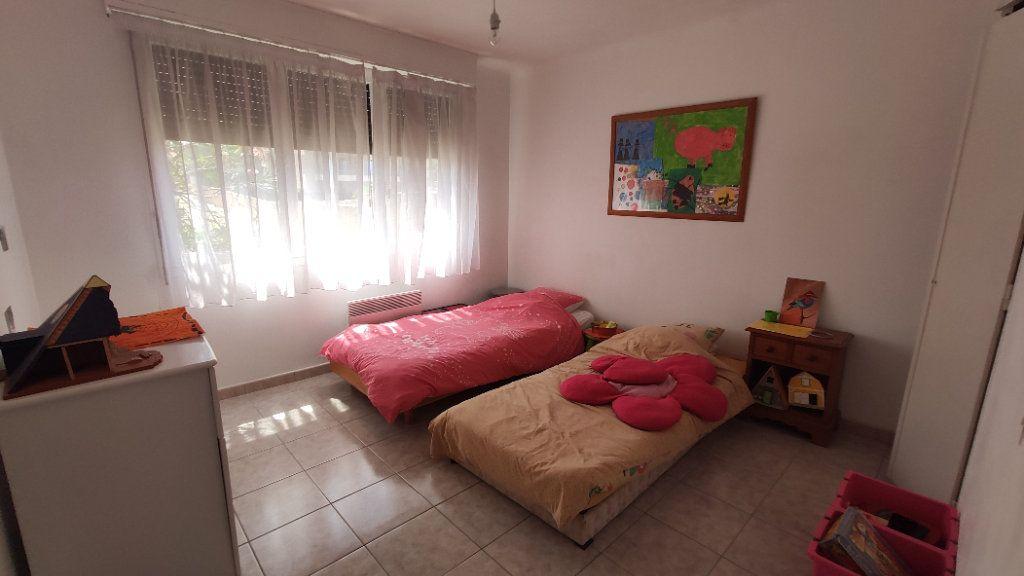 Appartement à vendre 3 80.29m2 à Six-Fours-les-Plages vignette-5