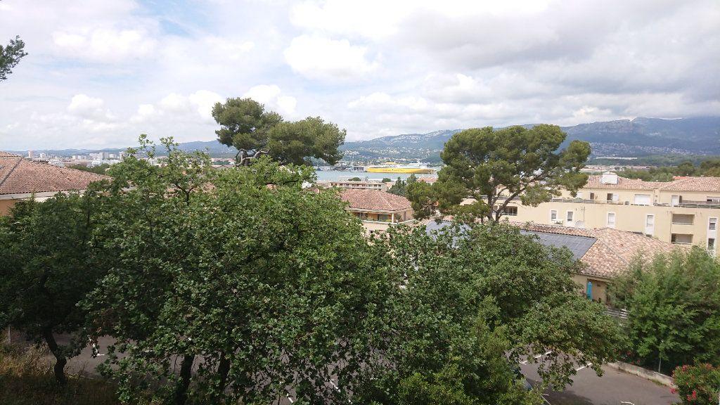 Appartement à vendre 6 111m2 à La Seyne-sur-Mer vignette-1