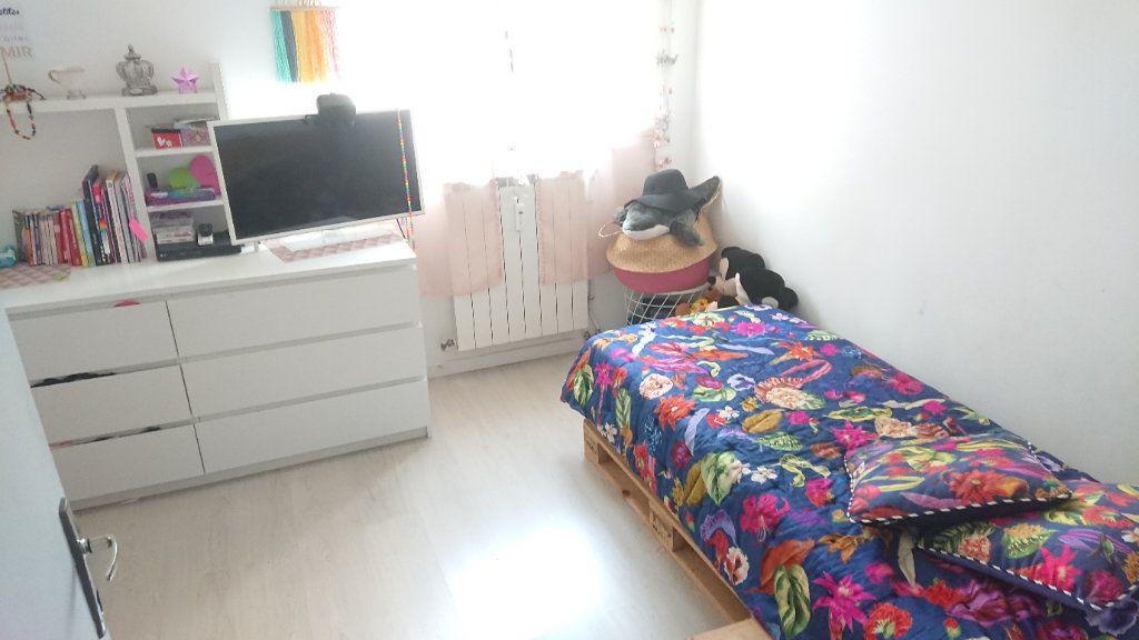 Appartement à vendre 6 111m2 à La Seyne-sur-Mer vignette-6