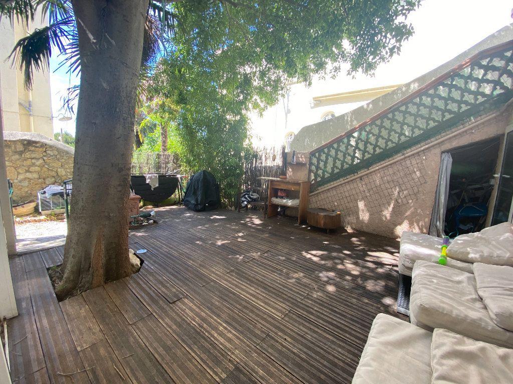 Appartement à vendre 3 61m2 à Toulon vignette-2