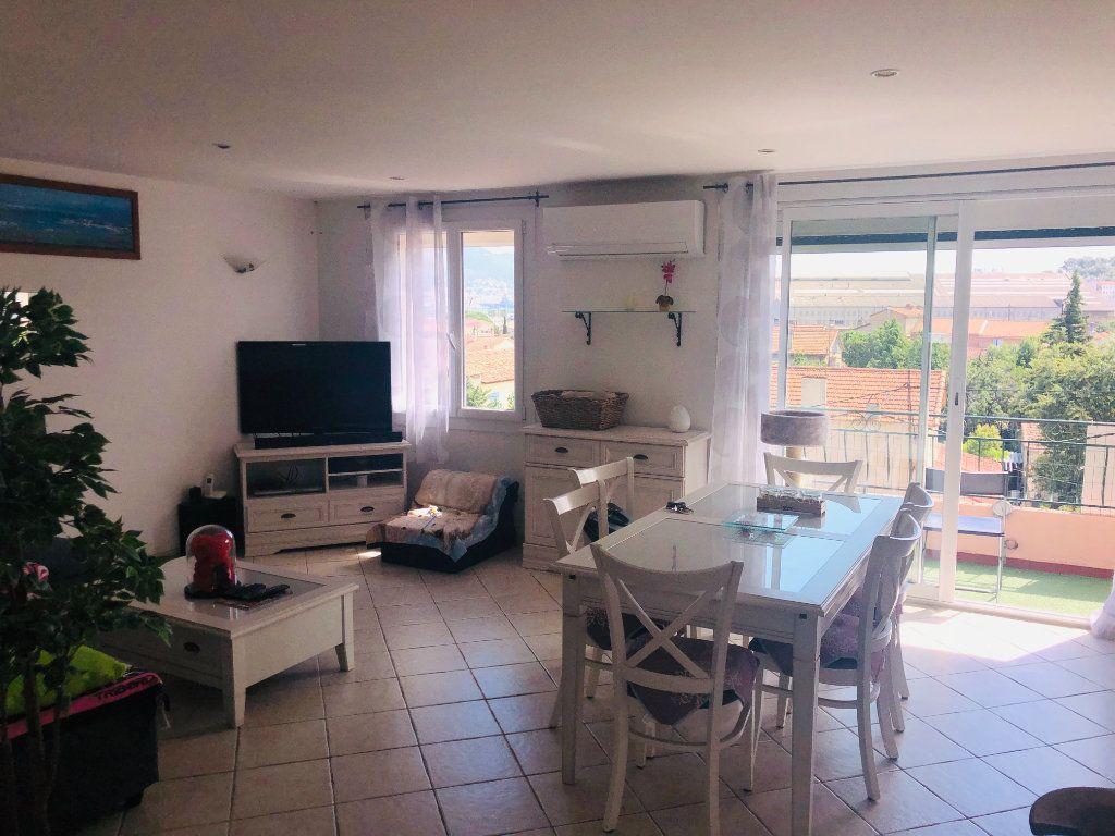 Appartement à vendre 4 64m2 à La Seyne-sur-Mer vignette-1