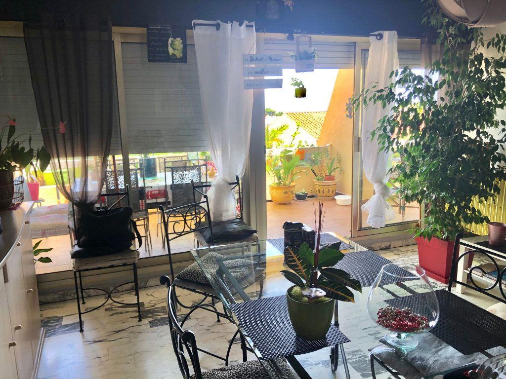 Appartement à vendre 2 62m2 à Saint-Mandrier-sur-Mer vignette-6