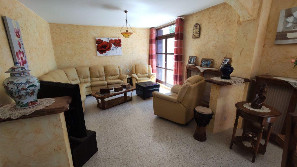 Appartement à vendre 5 97m2 à La Seyne-sur-Mer vignette-1