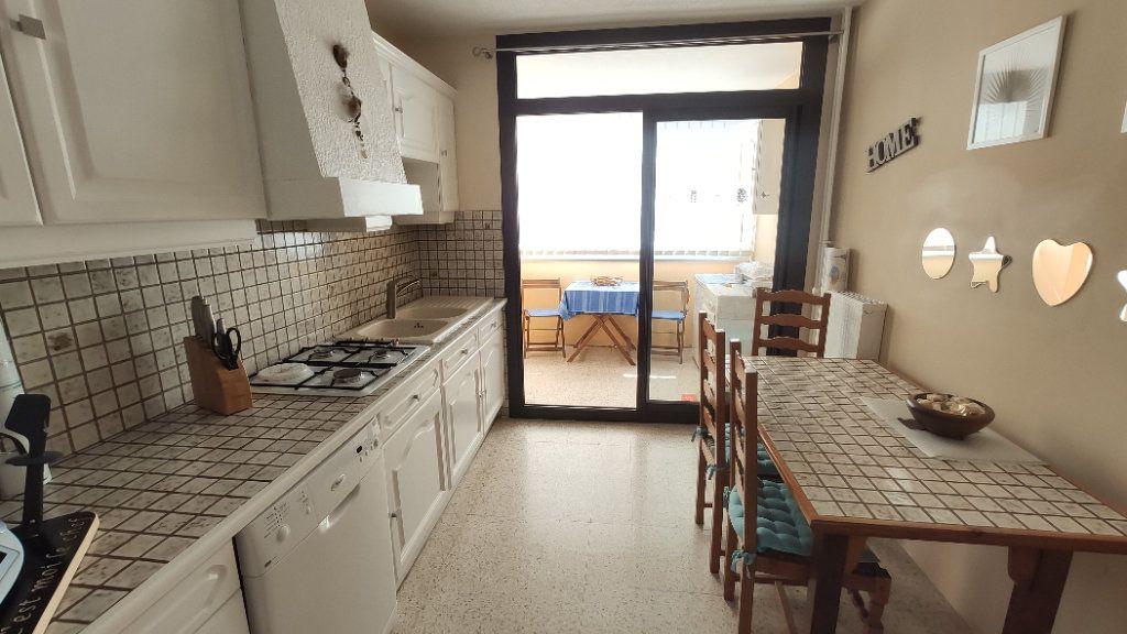 Appartement à vendre 5 97m2 à La Seyne-sur-Mer vignette-3