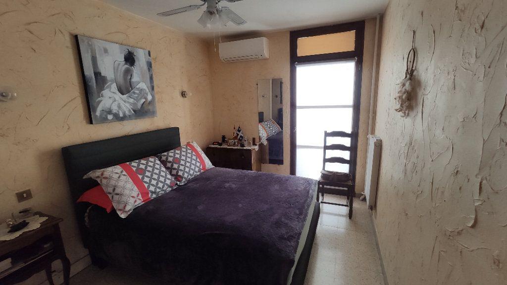 Appartement à vendre 5 97m2 à La Seyne-sur-Mer vignette-8