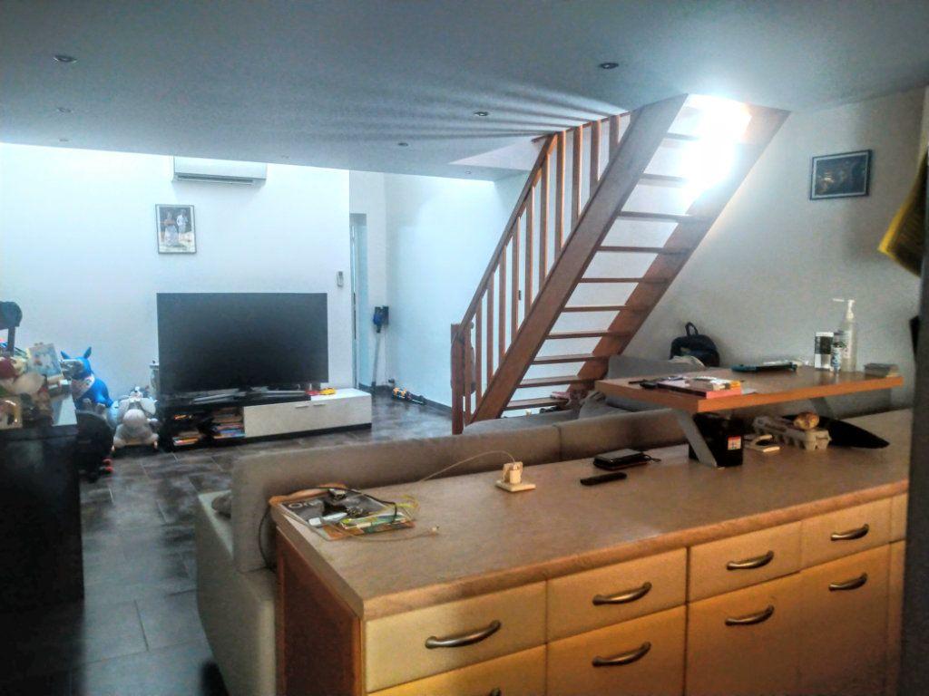 Appartement à vendre 3 50m2 à Saint-Mandrier-sur-Mer vignette-1