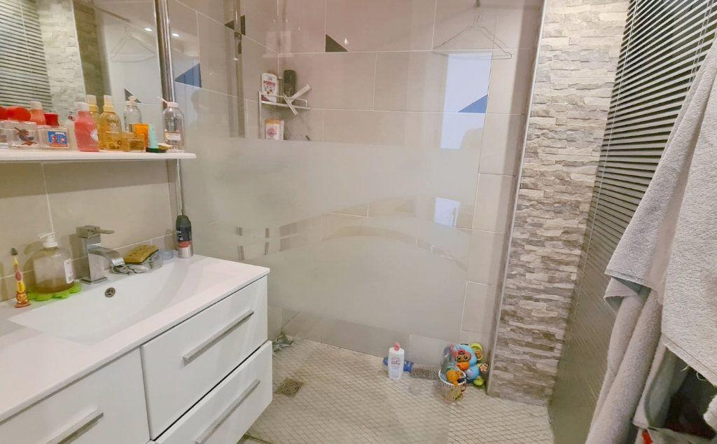 Appartement à vendre 3 50m2 à Saint-Mandrier-sur-Mer vignette-4