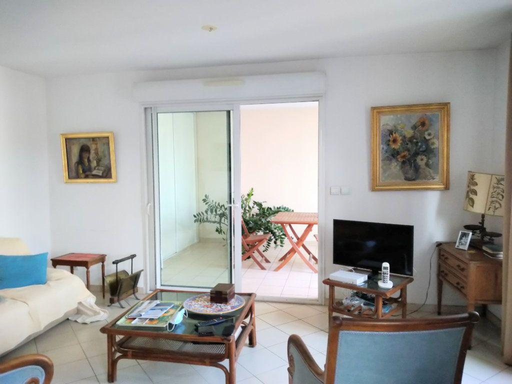 Appartement à vendre 3 95m2 à Sanary-sur-Mer vignette-1