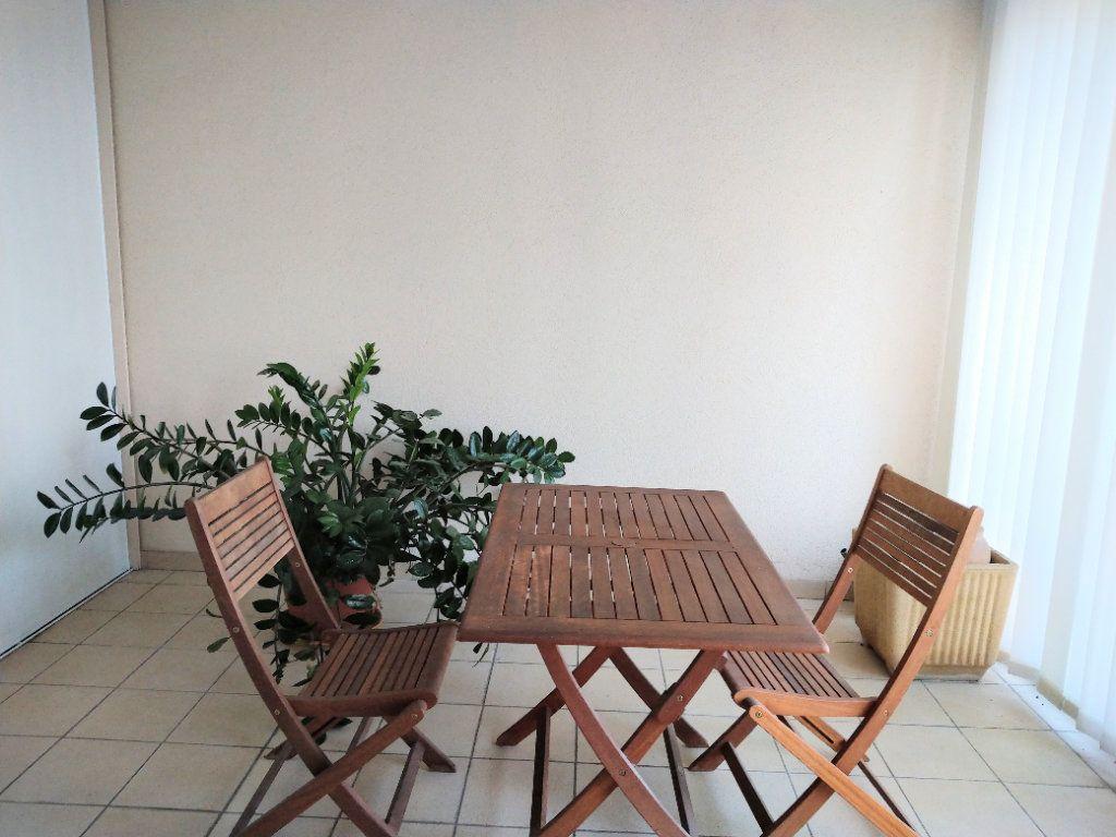 Appartement à vendre 3 95m2 à Sanary-sur-Mer vignette-3