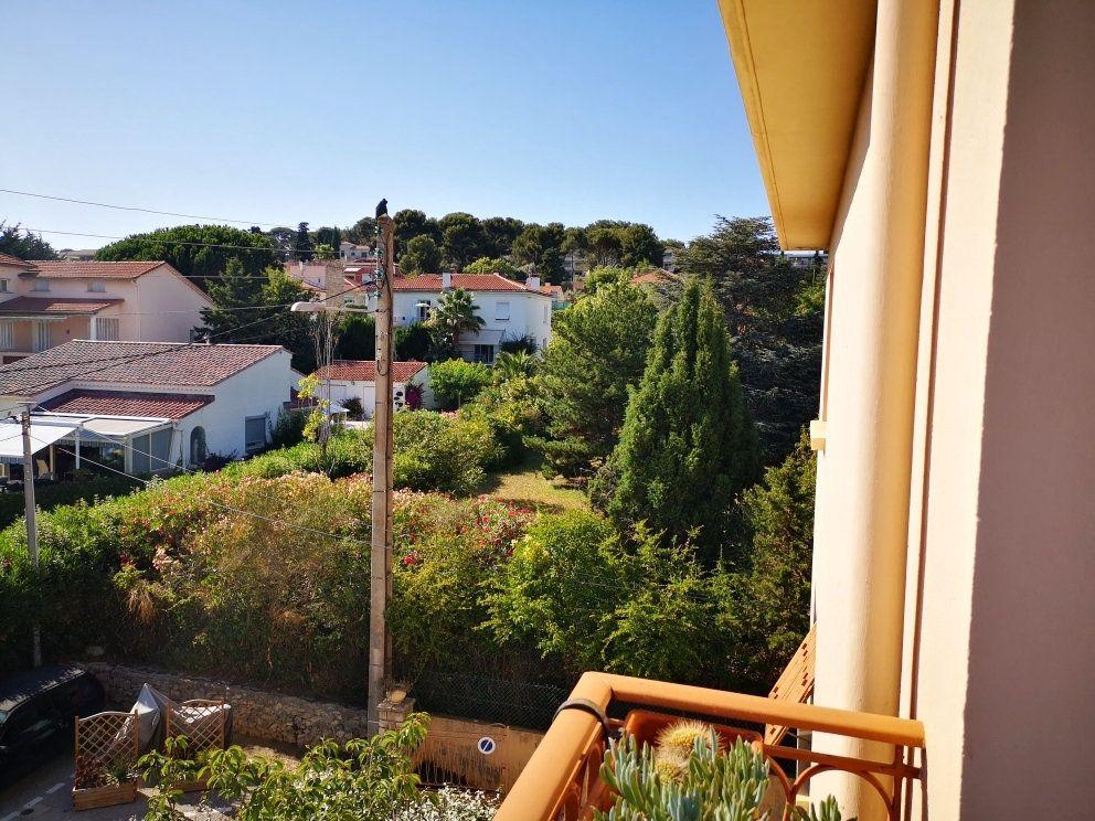 Appartement à vendre 4 77m2 à Sanary-sur-Mer vignette-2