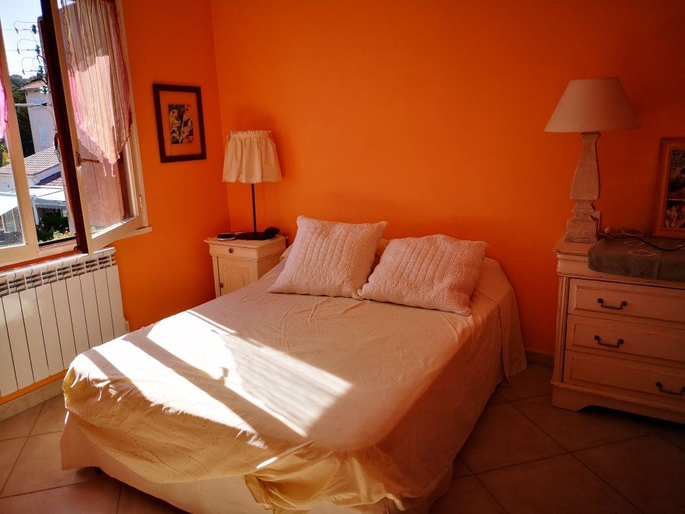 Appartement à vendre 4 77m2 à Sanary-sur-Mer vignette-4