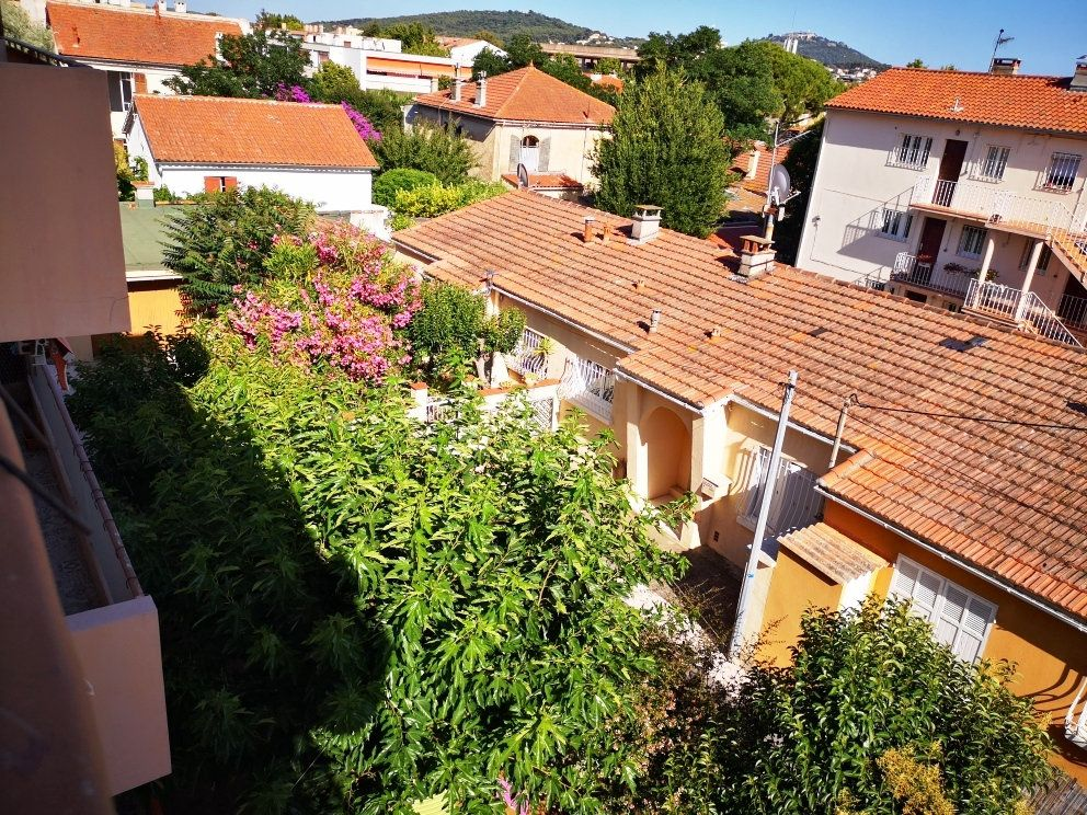 Appartement à vendre 4 77m2 à Sanary-sur-Mer vignette-6