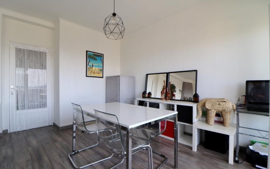 Appartement à vendre 5 87m2 à Toulon vignette-3