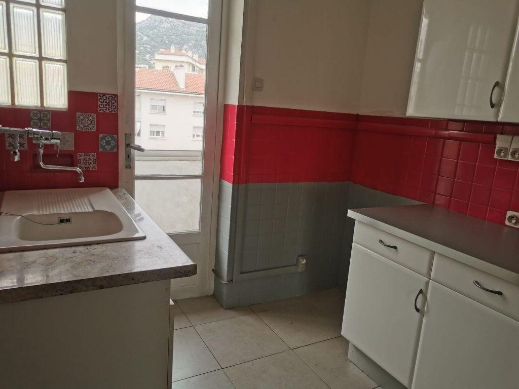 Appartement à vendre 5 87m2 à Toulon vignette-4