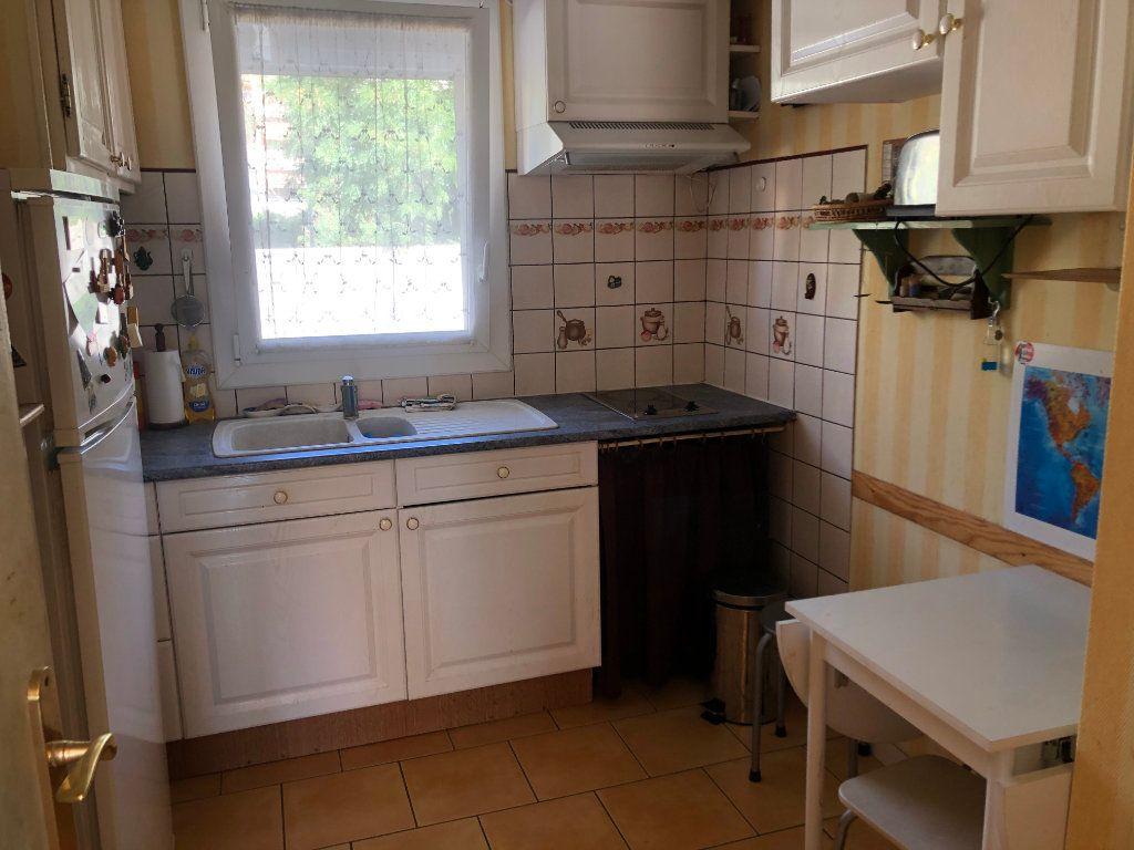 Appartement à vendre 2 40m2 à Toulon vignette-4