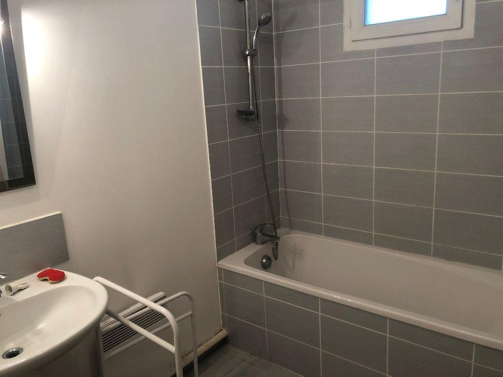 Appartement à vendre 2 48m2 à La Seyne-sur-Mer vignette-2