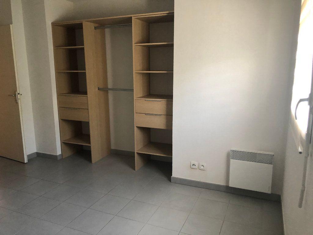 Appartement à vendre 2 48m2 à La Seyne-sur-Mer vignette-3