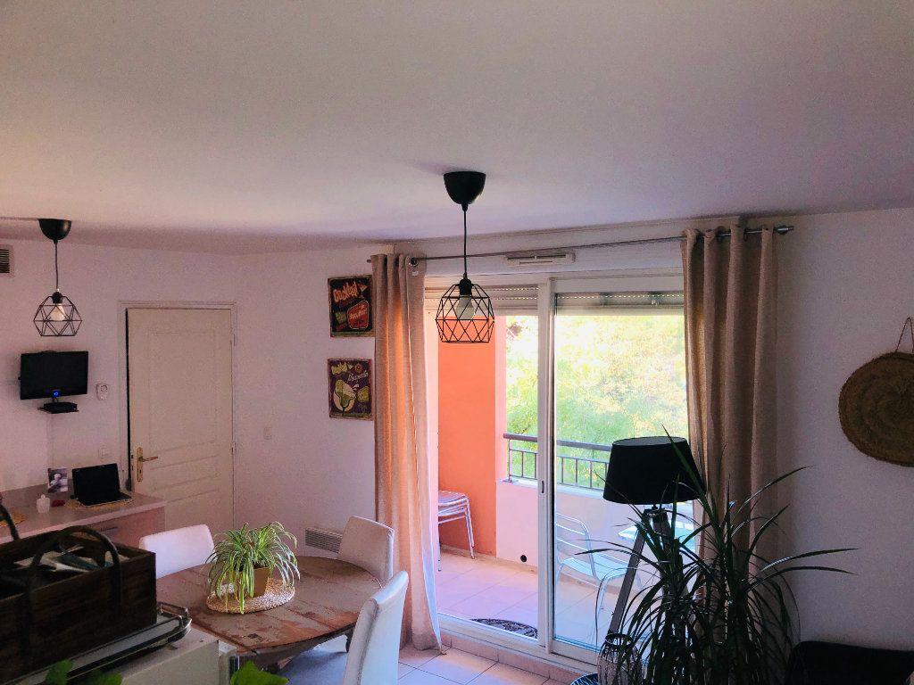 Appartement à vendre 2 33m2 à Six-Fours-les-Plages vignette-1