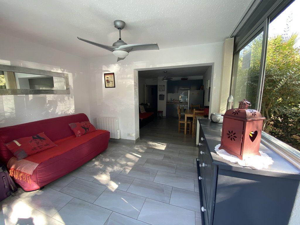Appartement à vendre 2 32m2 à Saint-Mandrier-sur-Mer vignette-5