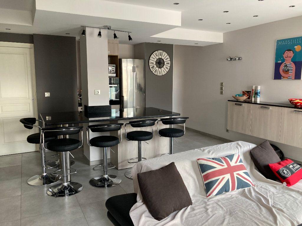Appartement à vendre 3 59m2 à Sanary-sur-Mer vignette-2