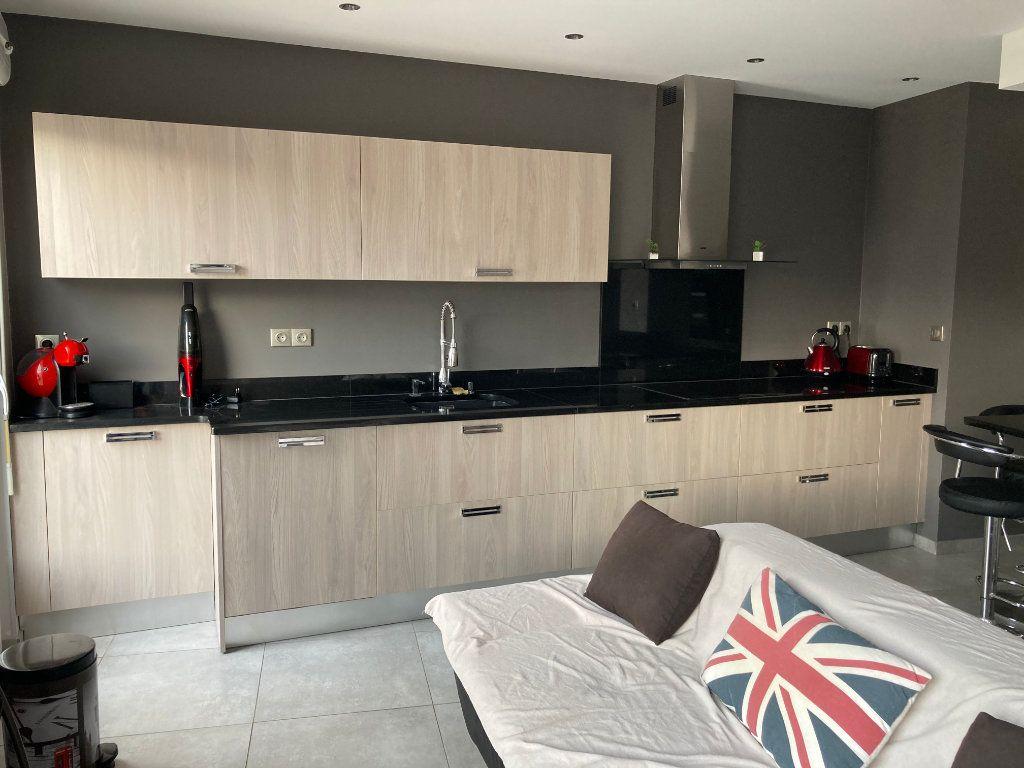 Appartement à vendre 3 59m2 à Sanary-sur-Mer vignette-3