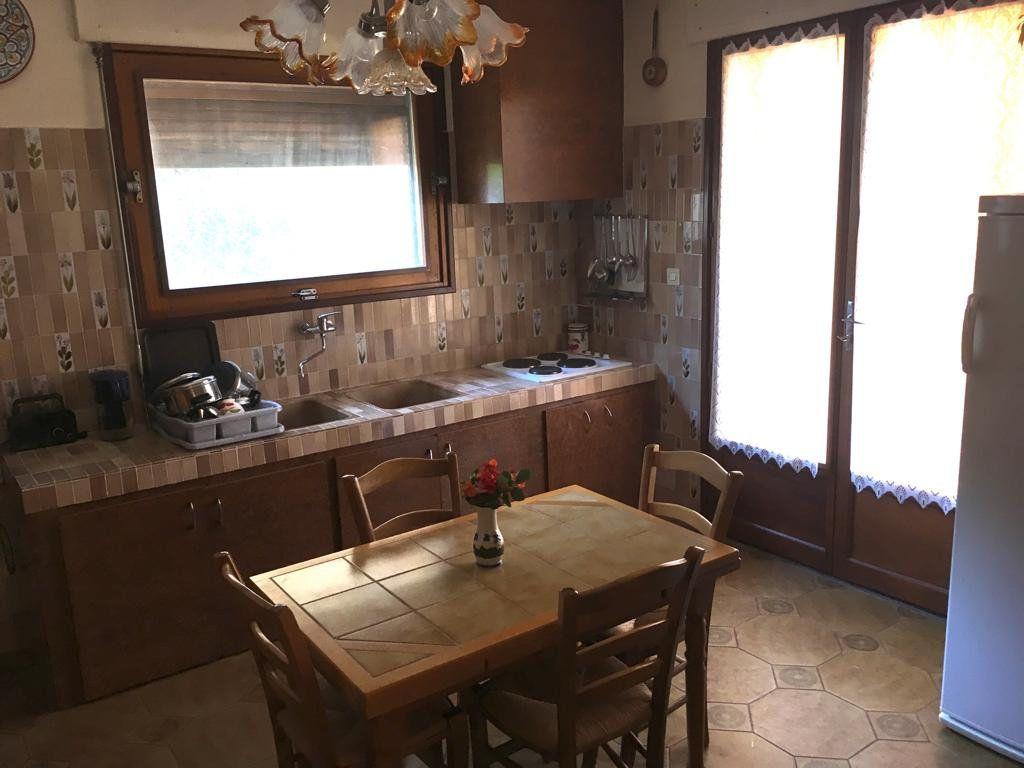 Maison à vendre 11 211.6m2 à Le Pradet vignette-5