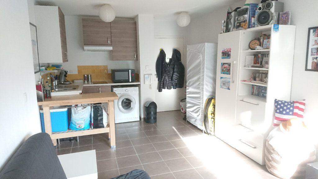 Appartement à vendre 1 26.36m2 à La Seyne-sur-Mer vignette-1