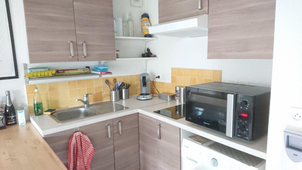 Appartement à vendre 1 26.36m2 à La Seyne-sur-Mer vignette-2