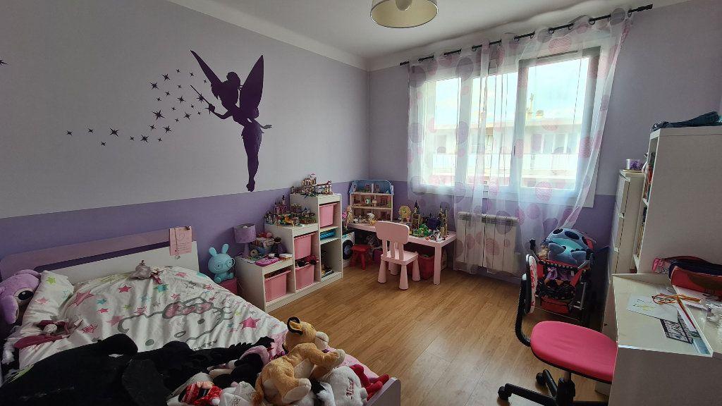 Appartement à vendre 4 71m2 à La Seyne-sur-Mer vignette-5