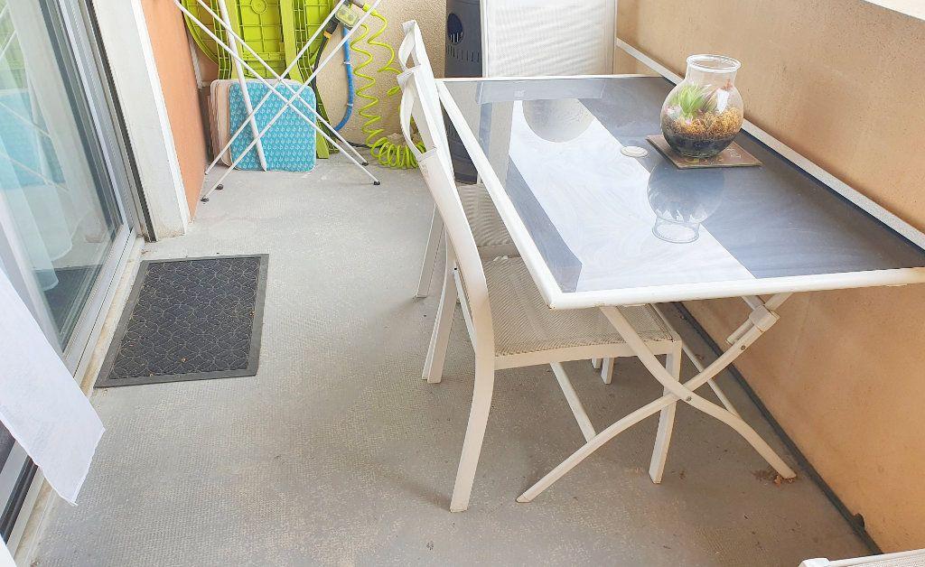 Appartement à vendre 3 65m2 à La Seyne-sur-Mer vignette-5