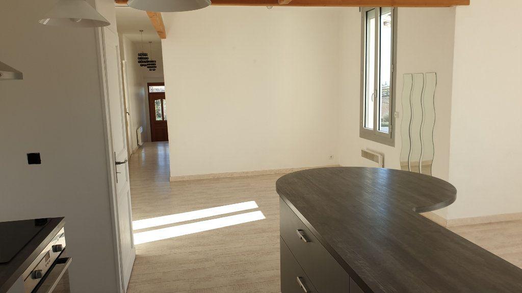 Appartement à vendre 3 72m2 à La Seyne-sur-Mer vignette-4