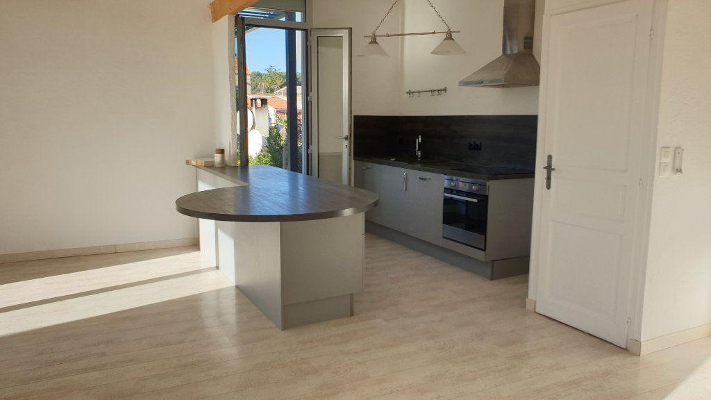 Appartement à vendre 3 72m2 à La Seyne-sur-Mer vignette-5