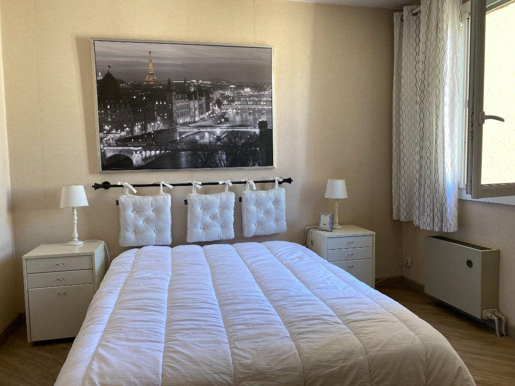 Appartement à vendre 3 62m2 à Toulon vignette-7
