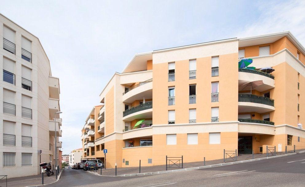 Appartement à vendre 2 48m2 à La Seyne-sur-Mer vignette-1