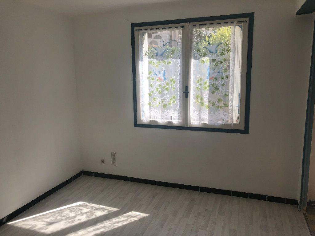 Appartement à vendre 1 25m2 à La Seyne-sur-Mer vignette-2