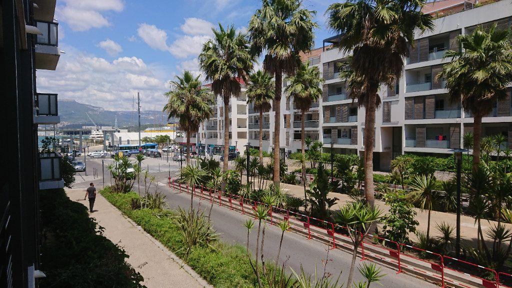 Appartement à vendre 3 65m2 à La Seyne-sur-Mer vignette-4