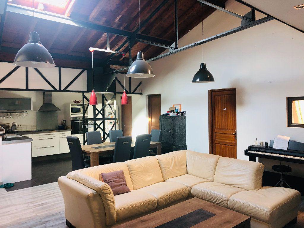 Appartement à vendre 5 200m2 à La Seyne-sur-Mer vignette-3