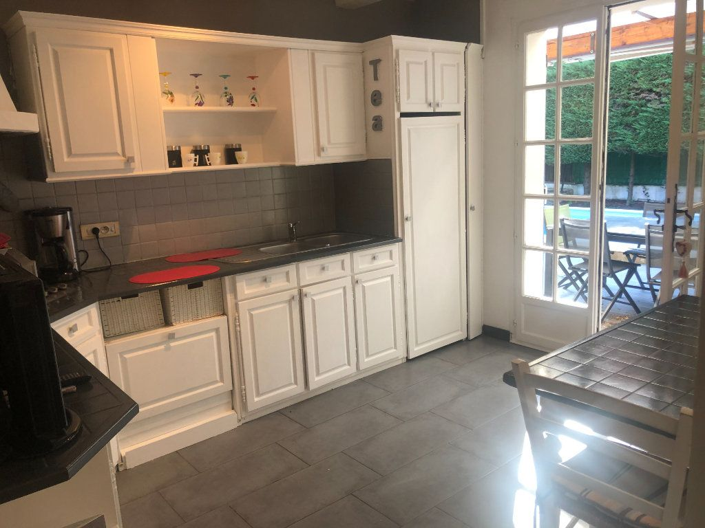 Maison à vendre 5 90m2 à La Seyne-sur-Mer vignette-8