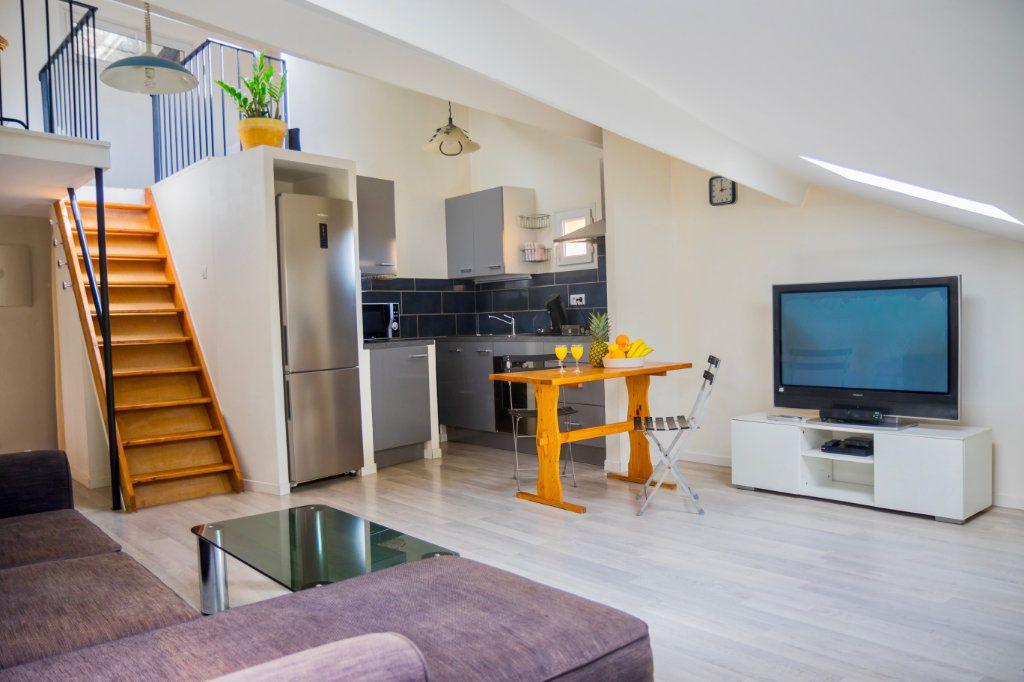 Appartement à vendre 2 40m2 à La Seyne-sur-Mer vignette-1