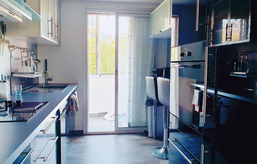 Appartement à vendre 4 67m2 à La Valette-du-Var vignette-4