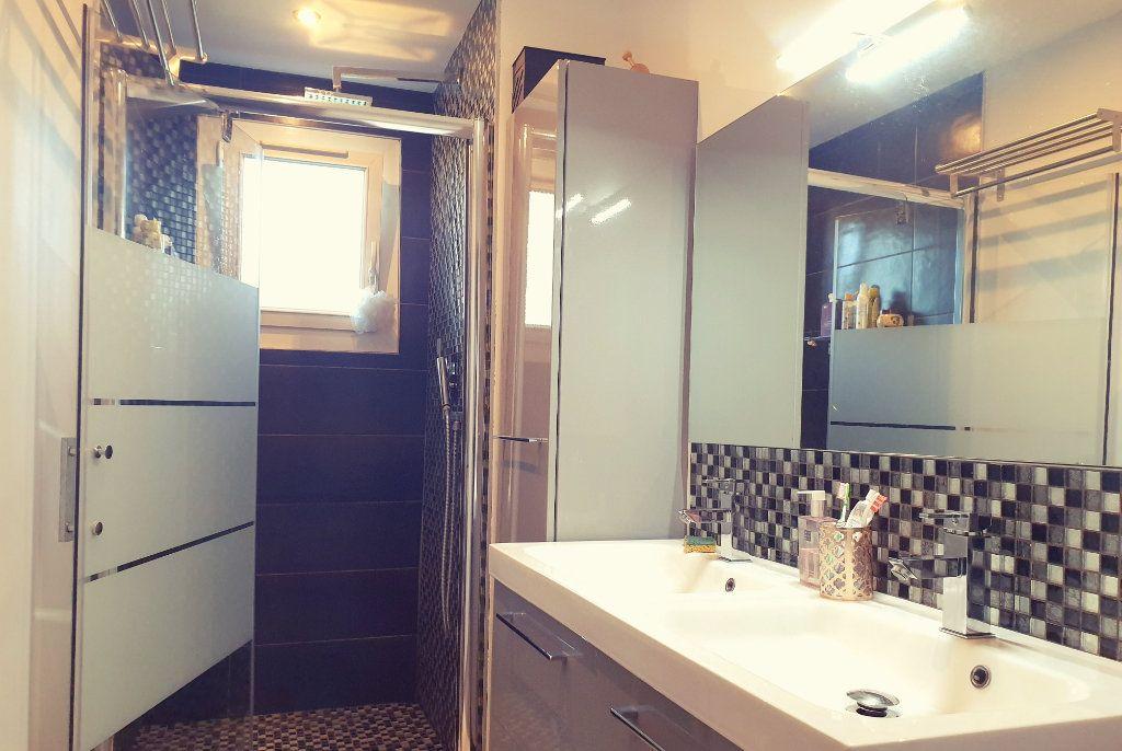 Appartement à vendre 4 67m2 à La Valette-du-Var vignette-5