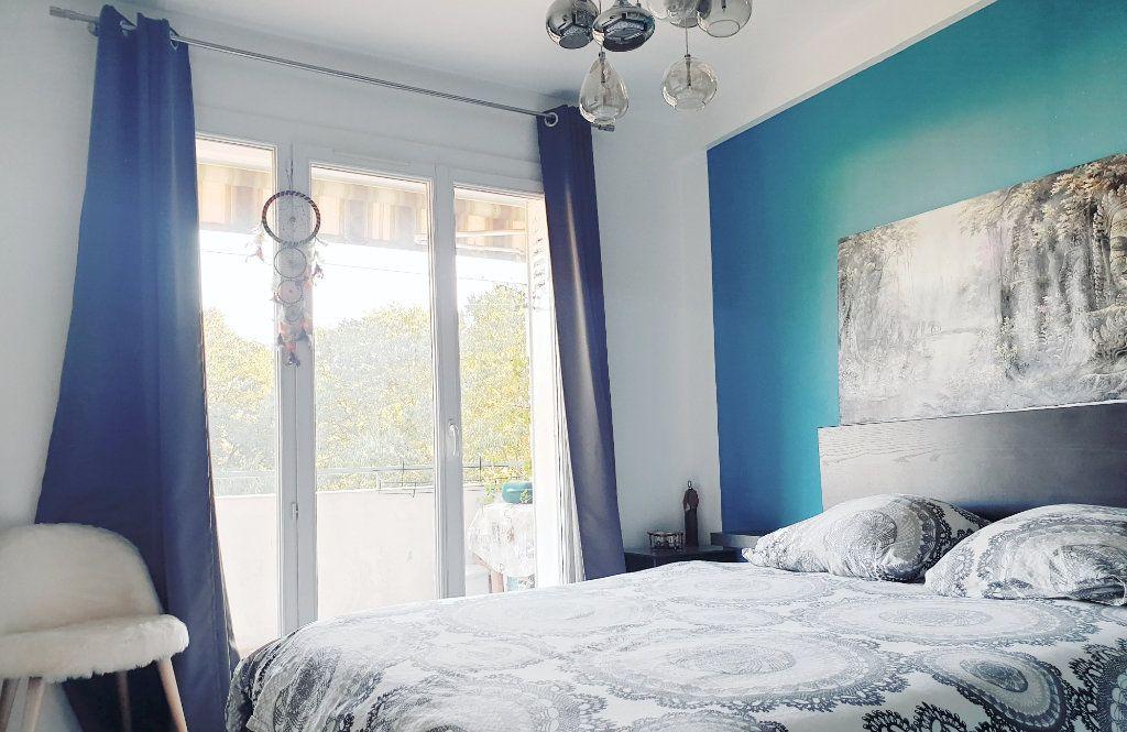 Appartement à vendre 4 67m2 à La Valette-du-Var vignette-6