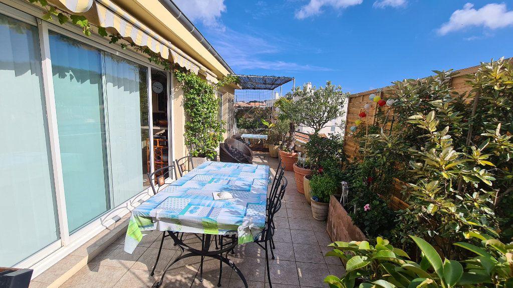 Appartement à vendre 3 66m2 à La Seyne-sur-Mer vignette-1