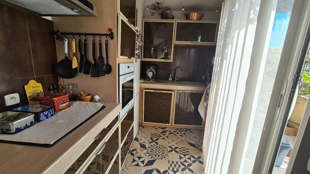 Appartement à vendre 3 66m2 à La Seyne-sur-Mer vignette-5