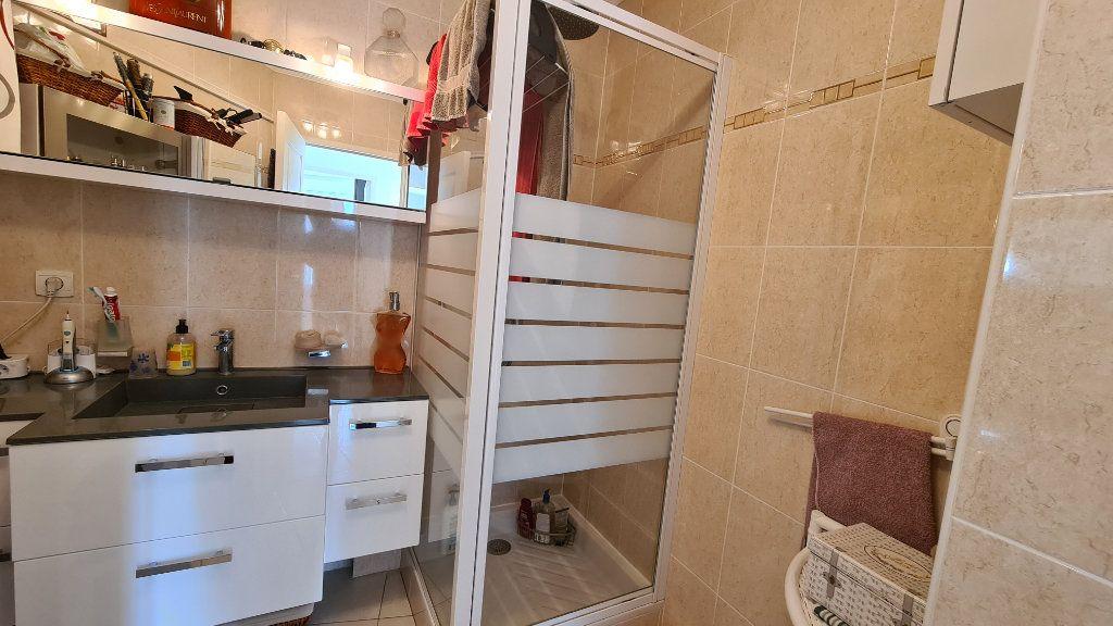 Appartement à vendre 3 66m2 à La Seyne-sur-Mer vignette-7