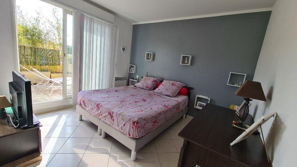 Appartement à vendre 3 66m2 à La Seyne-sur-Mer vignette-8